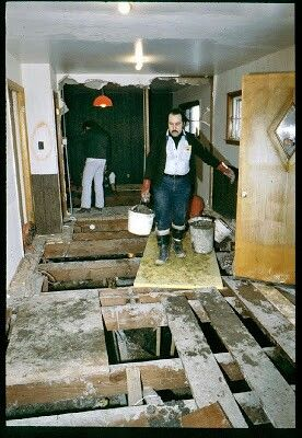 This image has an empty alt attribute; its file name is john-wayne-gacy-house-excavations-image-www.crimefiles.net_.jpg
